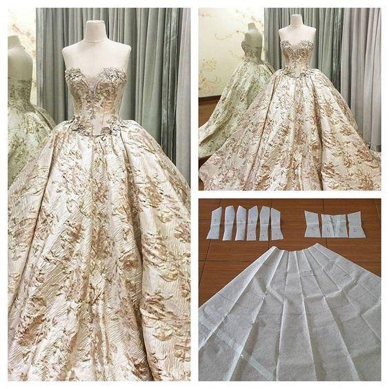Ну вот оно - настоящее бальное платье. И детали выкройки к нему. Кто шьёт, тому всё ясно