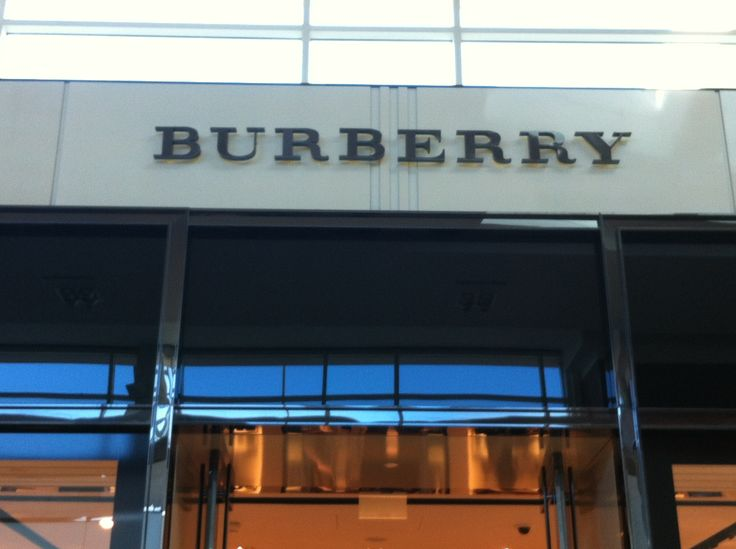Burberry Yorkdale Store was a good experience because of its awesome stores windows, layouts, fixture and etc. the application of lightning is perfect by how it brings out the merchandises and styles. The layout is not hard and each room feels like a art showcase. The brand has shown to be just classic and represent where they came from.