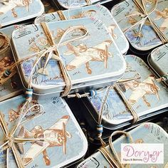 Dory.gr- Boboniera for baptism - Vintage style tin with a travel theme