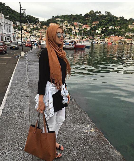 chic hijab black and white hijab with tan scarf- Hijab fashion online…