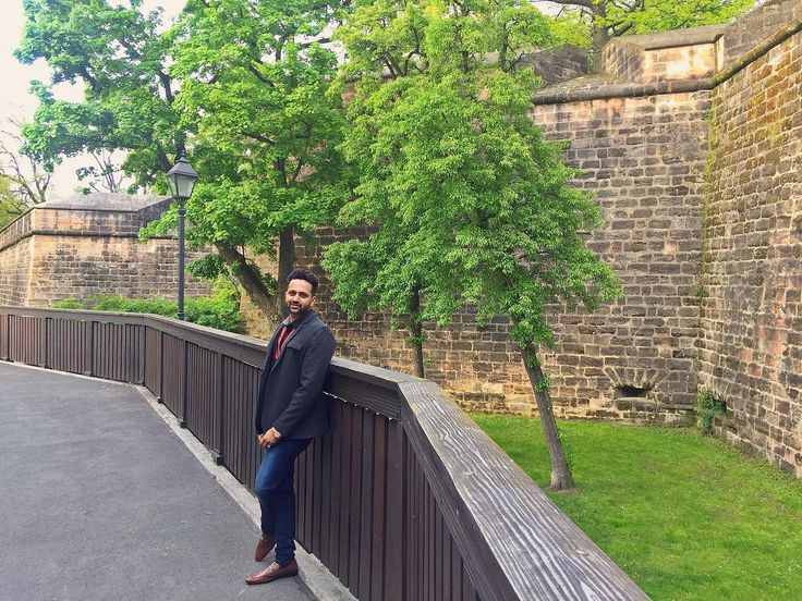 Blaue Nacht ..................... #blauenacht  #bluenight #festival #festive #nuremberg #youthhostel #castel #castleonthehill #castlerock #germany #germanytourism #bavaria #travel #tourist #tourism #touristing #travelbug #travelersnotebook #travelphotography #travelgram #traveller #travelogue #travelblog #travelers #traveldiary #munich #berlin #travellife #street http://tipsrazzi.com/ipost/1521055988206871611/?code=BUb4FzEjSQ7