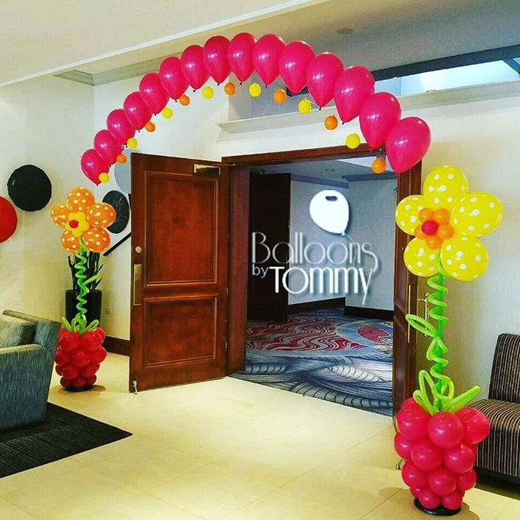 Pink, yellow, and orange flower pot balloon arch for a Bat Mitzvah| Balloons by Tommy | #balloonsbytommy