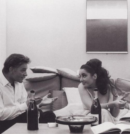 Elizabeth Taylor, Richard Burton & plenty of Moet