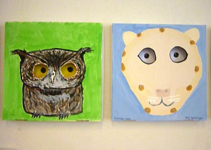 Animal portraits on pizza box- really cool idea- the eyes follow you as you walk past.