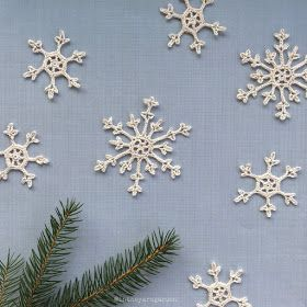 Free large and small Snowflakes thread crochet pattern from In the Yarn Garden.