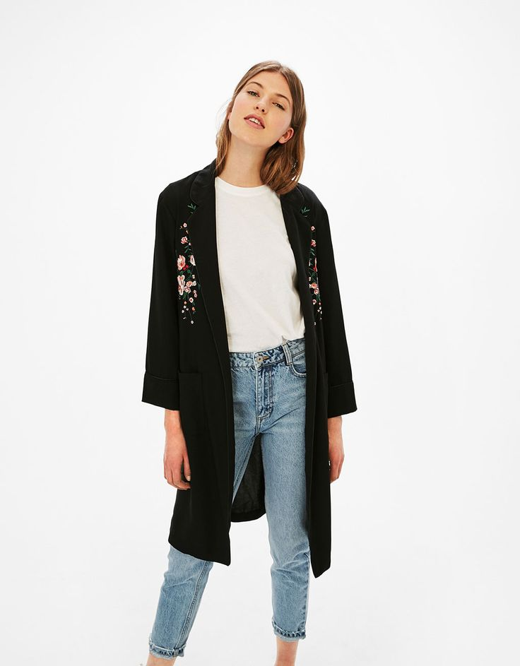 Long dressing gown with floral embroidery and belt - Coats & Jackets - Bershka Czech Republic