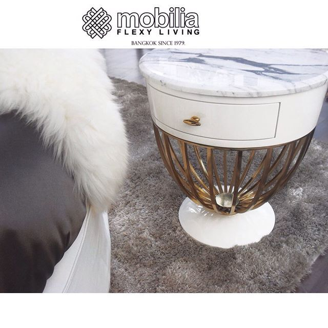#mobiliaflexyliving_bangkok #cozyhome #cozy #glam #marble  #stone #nighttime #nighttable #sidetable #sidebed #gloss #ivory #gold #sketchdesign #Mobiliaflexyliving_Bangkok #furniture_design #design #interiordesign #luxury #fancy #glamour #decorations #decorative #highend #home #beautiful #room #casa #blue #gold #mobilia +662-662-1997 or +662-662-1508 email: enquiry@siamdesignfunishing.com www.mobiliaflexyliving.com