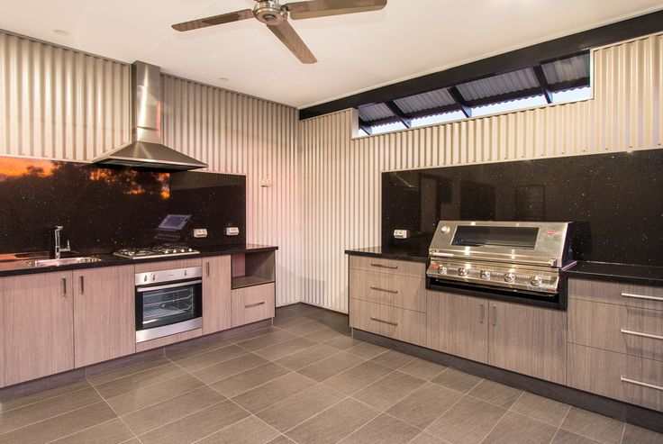 THE STRICKLAND CUSTOM BUILT OUTSIDE KITCHEN BY CONNOLLY HOMES BROOME
