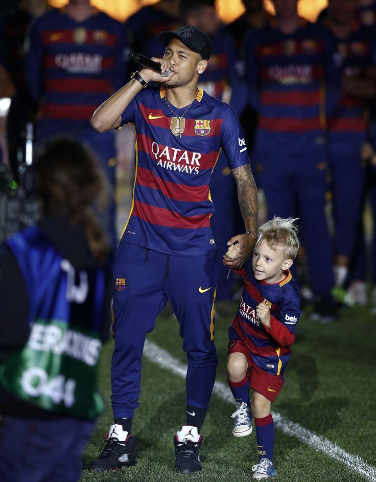 Jornal diz que Neymar ganhará mais que Messi: R$ 90 mi por temporada #globoesporte