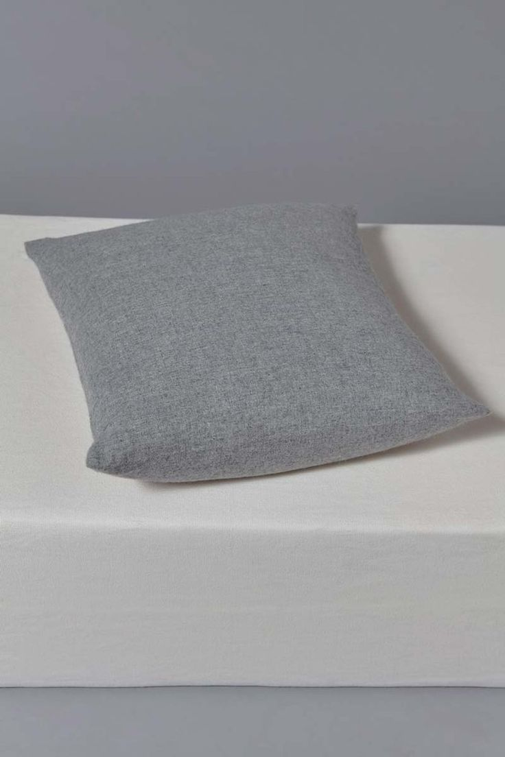 Suo Cashmere Cushion Cover in Soft Grey