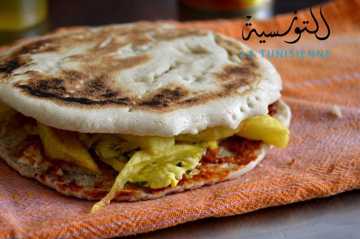 Si si, vous lisez bien, le chapati est bien un sandwich tunisien, et pas indien, devenu très populaire, car très économique. D'où lui vient ce nom? Bonne question! Si l'un d'entre…