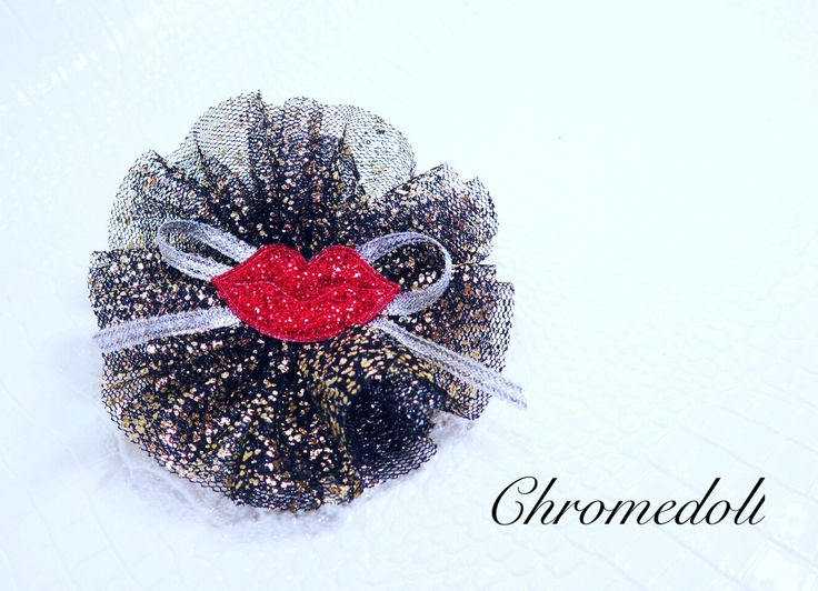 Hair accessories with black mesh and glitter. The point is red lip- :)