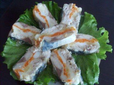 Рулет из скумбрии — очень вкусная закуска и в то же время праздничное блюдо для любого застолья.