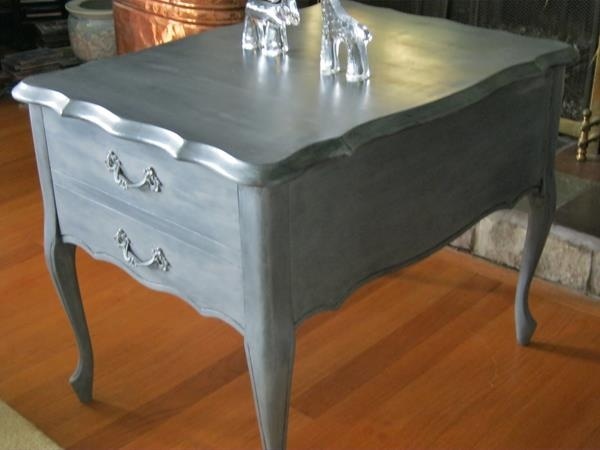 french provincial end table painted with graphite and pewter craft paint http