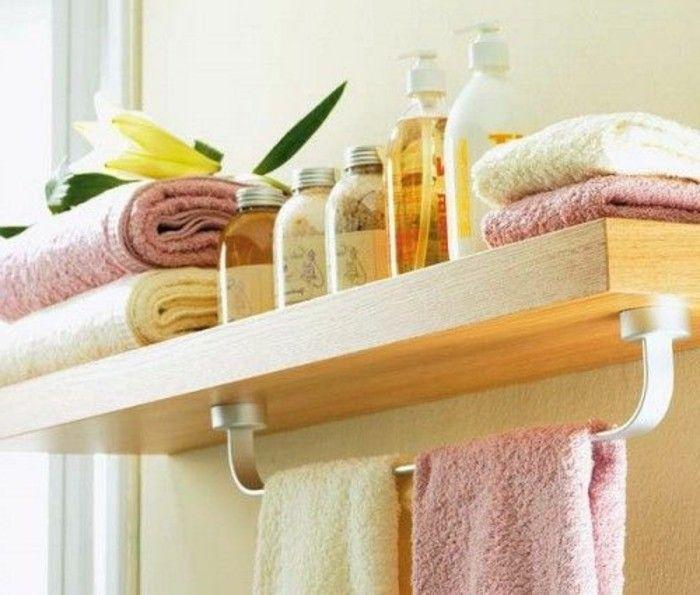la porte serviette murale salle de bain etagere en bois clair