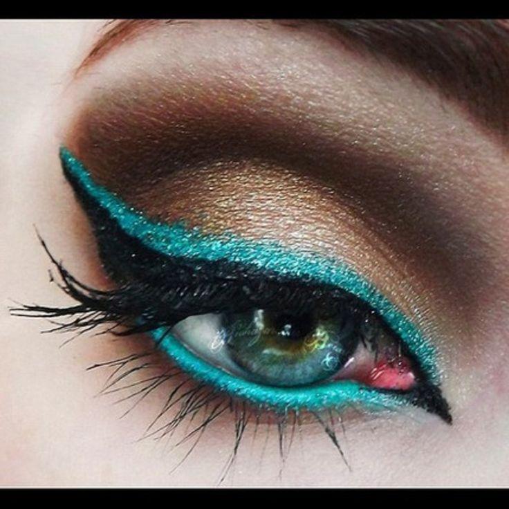 eyeliner turquoise