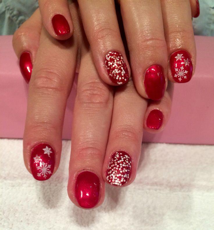 Snowflake shellac nails done by Trine Fajardo at California Nails & Beauty Lounge #californianails #beautylounge #christmas #christmasnails #nails #negler #naglar #acrylicnails #shellac #nailart #jul #julenegler #cnd #opi #red #glitter #snowflakes #candycanes