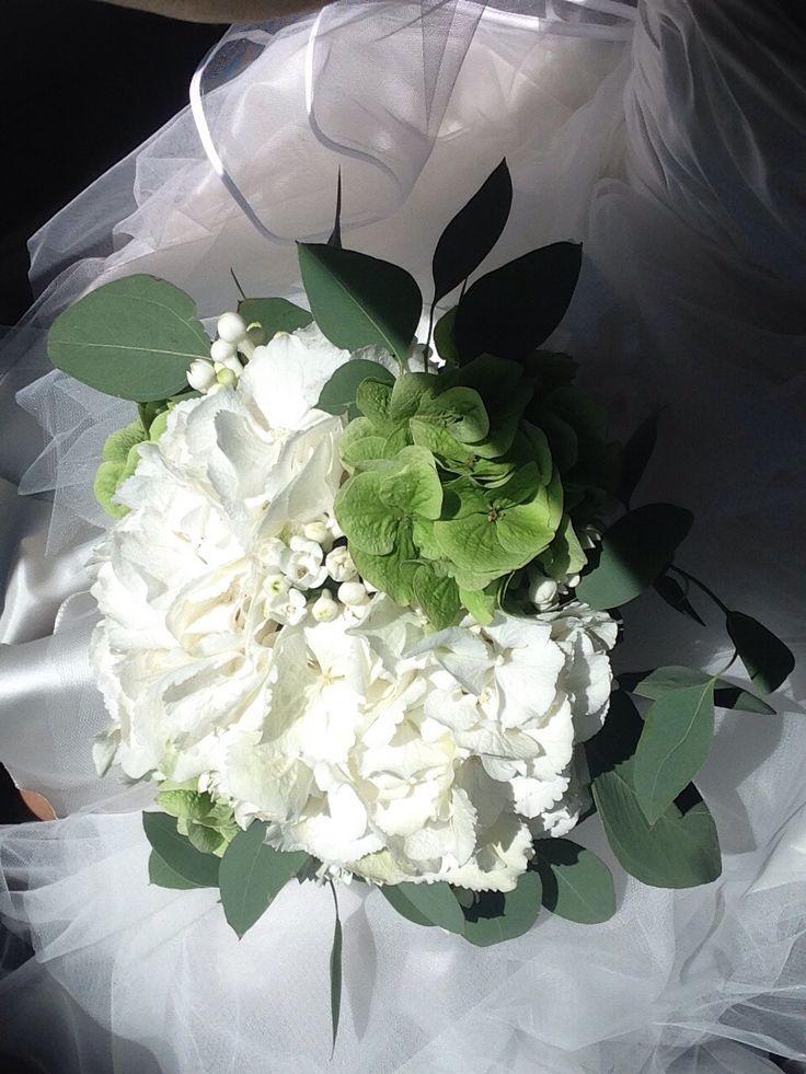 Wedding hortensia bouquet Made by Fiori&co.