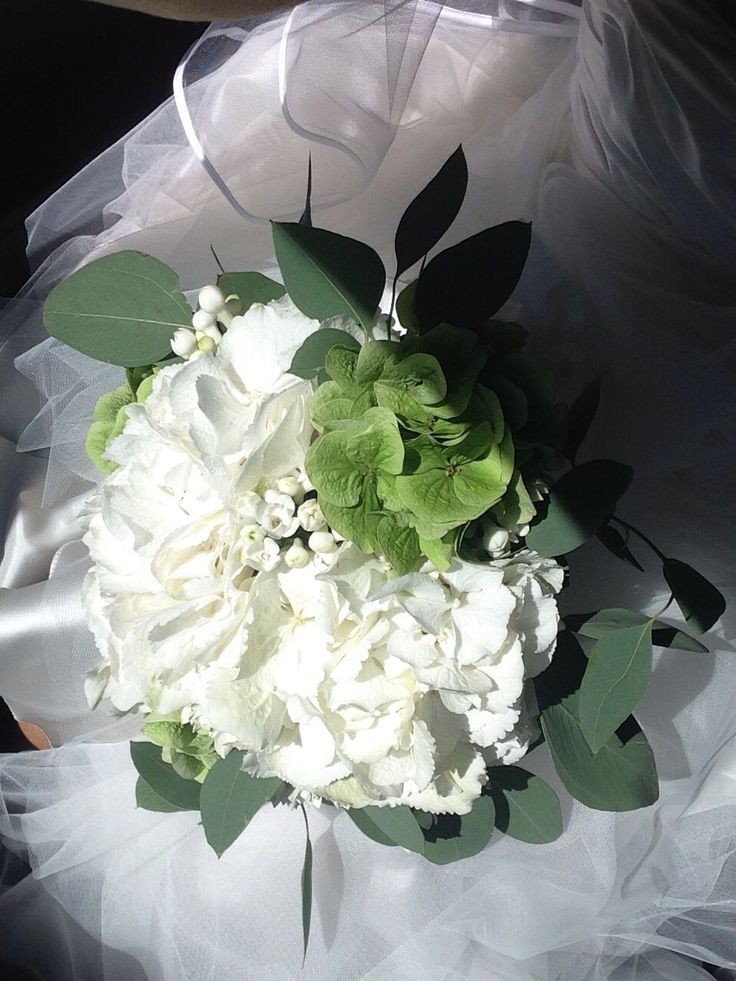 Wedding hortensia bouquet Made by Fiori&co.