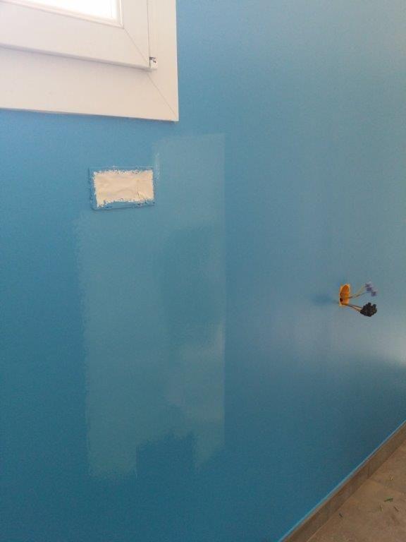 Et finalement, on adouci le bleu célèbes de la cuisine