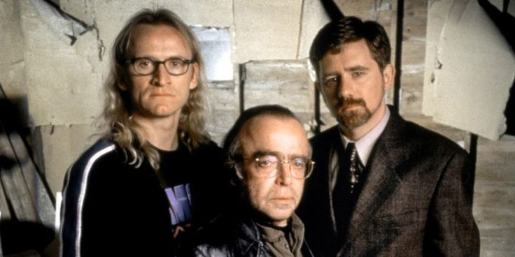 X-Files: The Lone Gunmen's History Explained: Episode 2 of the long-awaited eleventh season ofThe X-Filesreintroduces a long-lost character: Richard Langley, of The Lone Gunmen. These characters date all the way back to the show's first season, and they are fan-favorite figures within the fandom, and for good reason. Even when the series is at its most grim, The Lone Gunmen were always there to offer a bit of levity while fighting the good fight for truth and justice. WithLangley suddenly…
