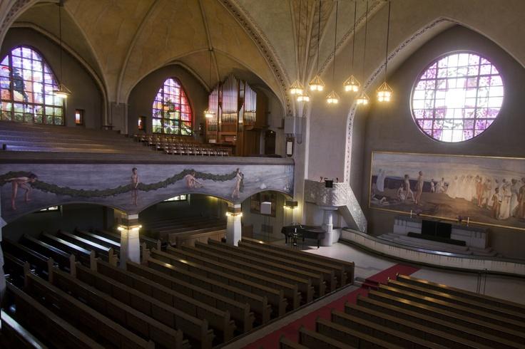 Tampereen tuomiokirkko on rakennettu vuosina 1902–1907. Se sijaitsee Tampereella Juhannuskylässä. Arkkitehtonisestikin merkittävän kirkon on suunnitellut arkkitehti Lars Sonck. Kirkko ja sen taideteokset edustavat kansallisromanttista tyylisuuntaa.