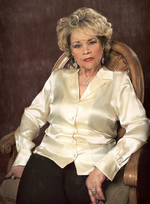 etta james even beautiful in the end. I miss her so. Thank you for pinning this.