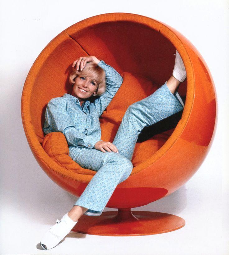 Eero Aarnio Ball Chair.