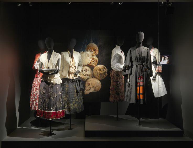 MEXICO theme - Dries Van Noten Inspirations @ MoMu Fashion Museum Antwerp / (c) Koen de Waal