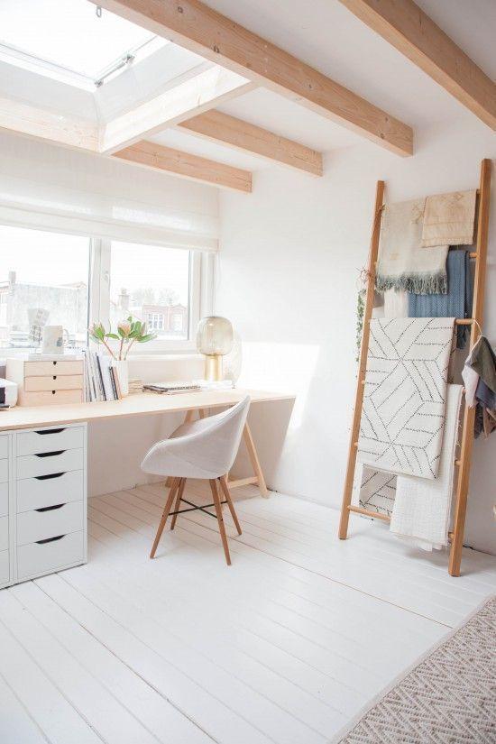 Dieser schöne Arbeitsplatz ist genau das, was Sie auf Ihrem Dachboden wollen … #WoodWorking