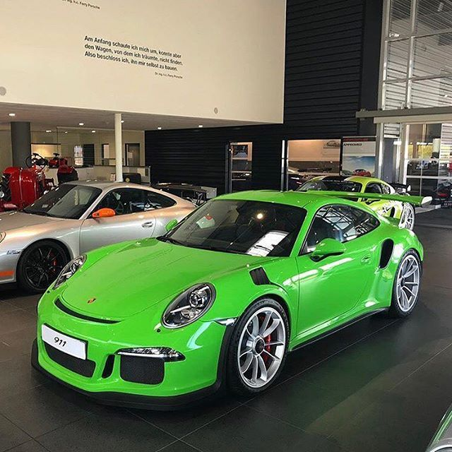 A rather sublime PTS Gelbgrün (Green Yellow UNI; non-metallic; 137) 991 GT3 RS, on display at Centre Porsche Lyon in France. Silver wheels perfection on this example. Not for sale. Photo posted with permission from @kencovado. #PTSRS