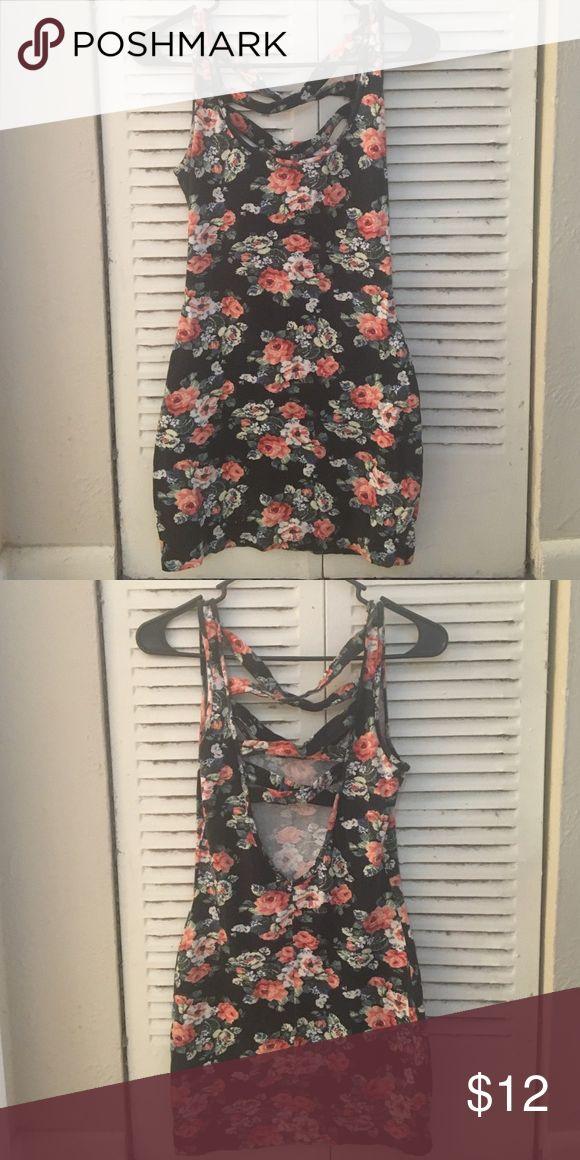 Top Shop Petite mini dress Gently worn Top Shop mini dress size 6. Fits like a small. Topshop PETITE Dresses Mini