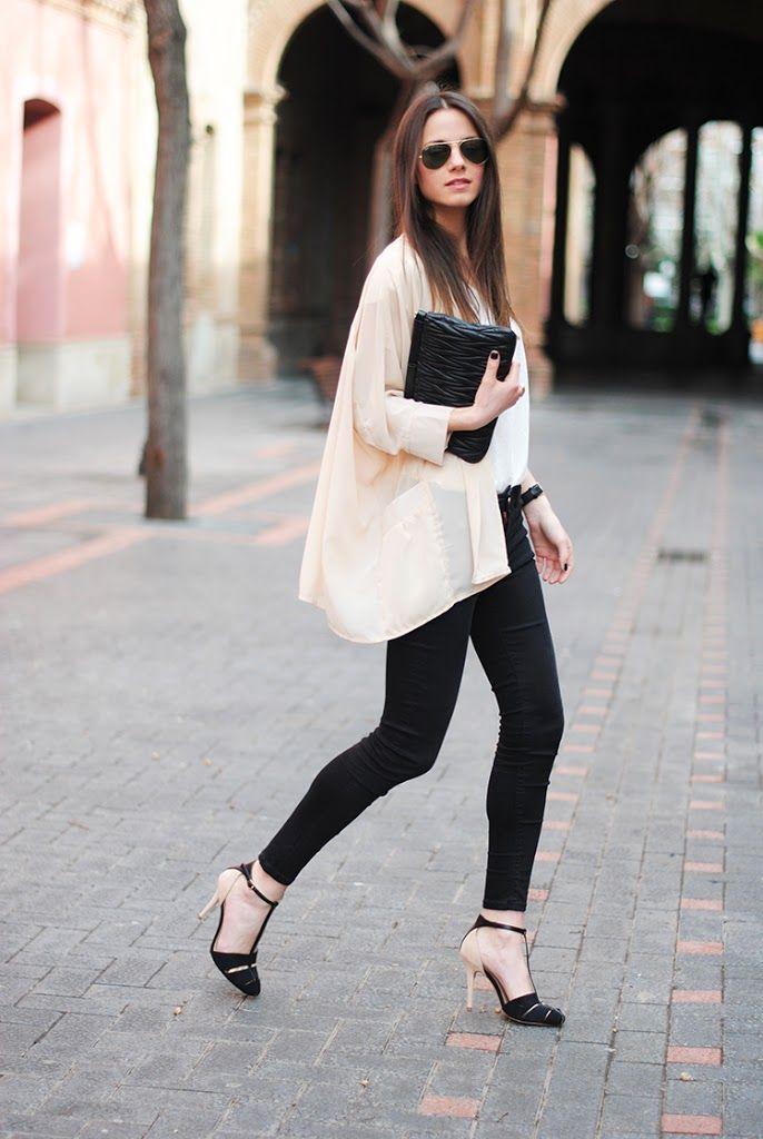 Love the cream-colored kimono!