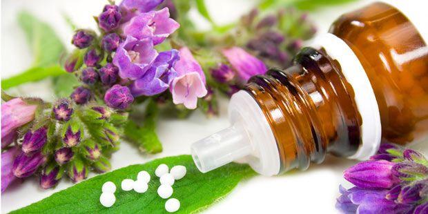 Homöopathie | Was tun bei Migräne? 10 alternative ... | Praxisvita