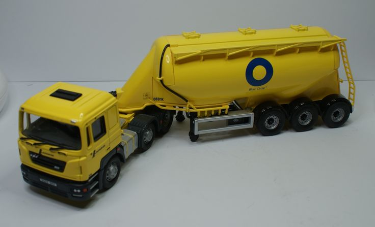 ERF ECS Feldbinder Tanker Blue Circle Cement