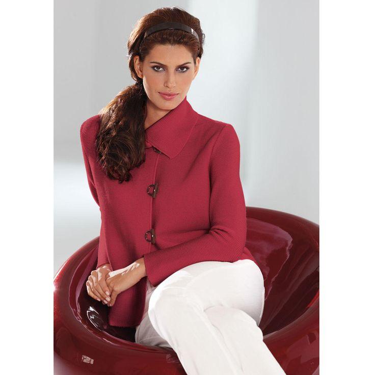Belle île-gebreid jasje Mooi als een jasje uit de haute couture. Even veelzijdig als een jeansjasje. Comfortabel als een gebreid jasje.