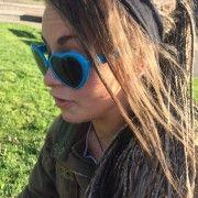 Grymma #solglasögon som garanterar att du blir uppmärksammad och får komplimanger. https://blueheart.center/sv/shop/product/blueheart-sunglasses-male-female/