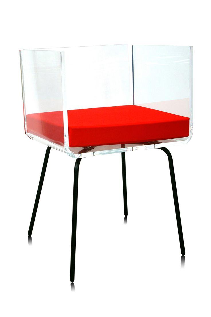 mobilier design, mobilier personnalisé, meubles plexiglas, chaises design, chaises personnalisées, chaise rouge, chaise transparente, chaise 70's, fauteuil design, fauteuil 70's, fauteuil transparent, fauteuil rouge