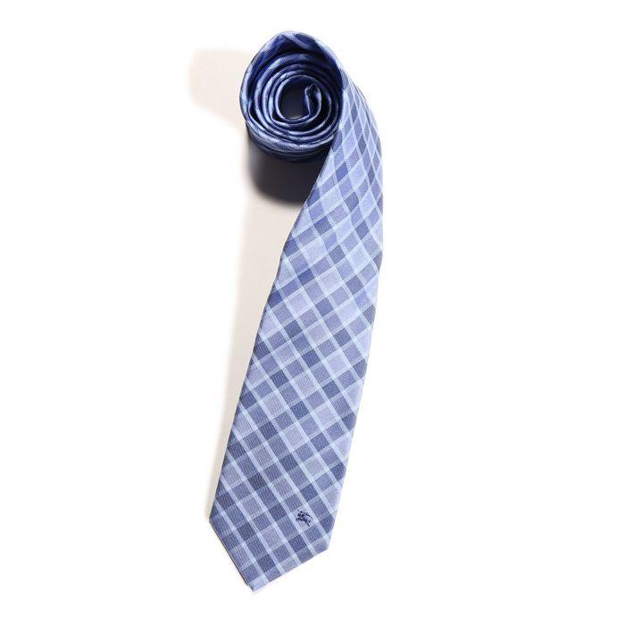 バーバリーブラックレーベルよりネクタイをご紹介します。 2014年AWモデルの爽やかなネクタイです!プレゼントにもgood! 詳細はこちら>http://bbl-shop.com/?pid=86539624