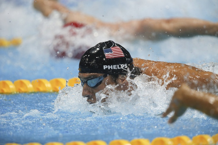 In his final race, Phelps once more goes for the gold, swimming the butterfly portion of the men's 4x100 medley relay finals.