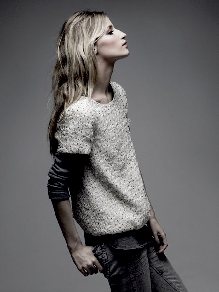 Zadig & Voltare - photo: thierry Le Goues: Clothing Hors, Fashion Style, Denim Shirts, Tomboys Style, Layered Fall, White Outfits, Winter Sweaters, Fashion Inspiration, Grey Jeans