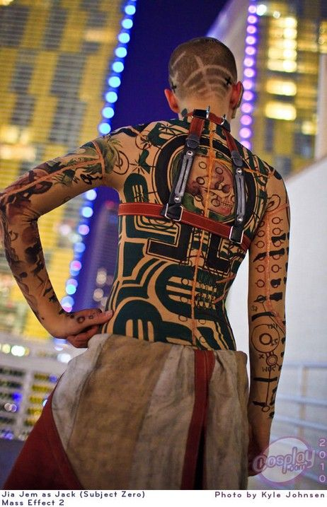 Hats off to some excellent cosplay (no snark intended here!)   Cyberpunk, Jack cosplay, Mass Effect 2