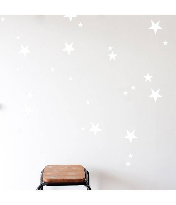 Mevrouw Aardbei 47 muurstickers sterren wit