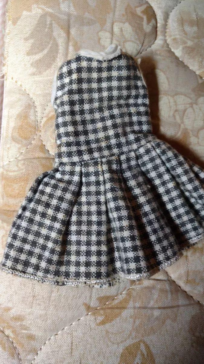 Vestido velho para Susi – no eBay