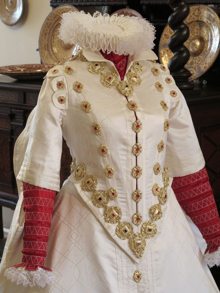 "Gown ""saya"" in spanish style from portrait Polyxena de Perstein, bohemian noblewoman, second half of 16. century."