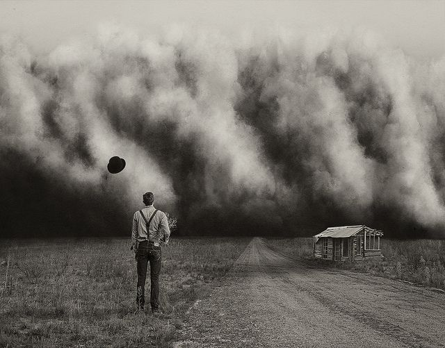 the dustbowl of america in the 1930s November 14, 2012—was the 1930s disaster man-made  ken burns—the  filmmaker behind the upcoming pbs miniseries the dust bowl—explains   rare 1920s footage: all-black towns living the american dream.
