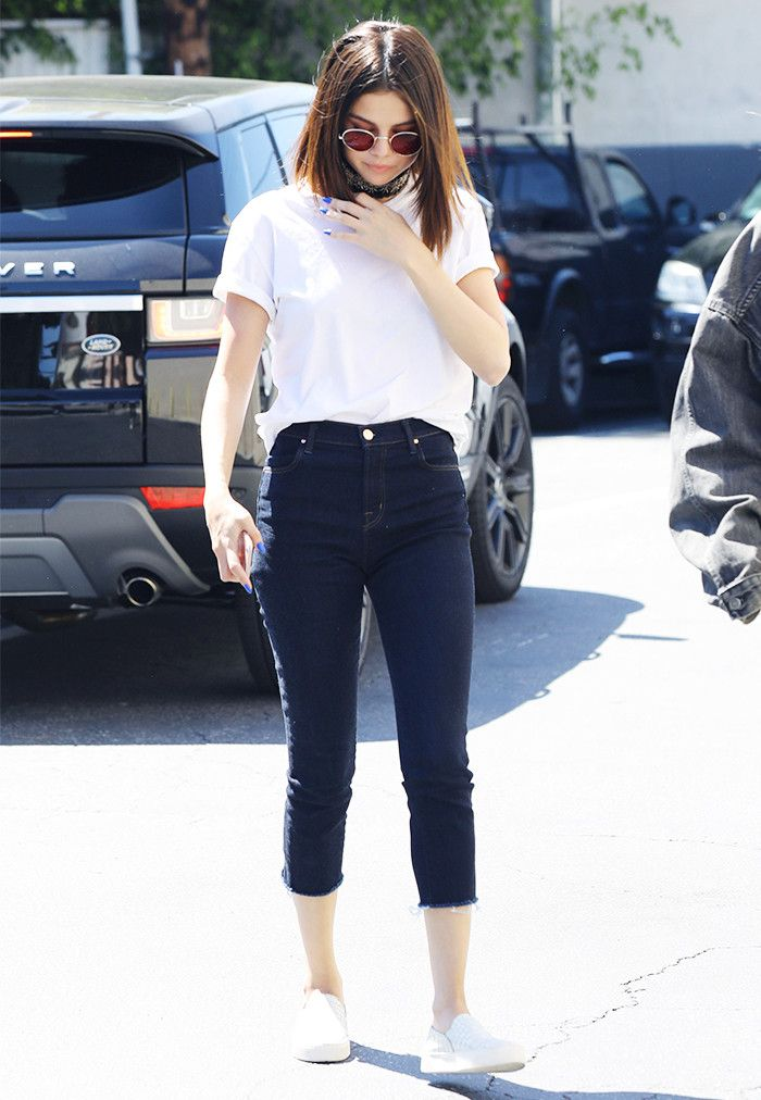 Selena Gomez demonstrates that a few tastefully chosen details can take the classic jeans and t-shirt combo to the next level.