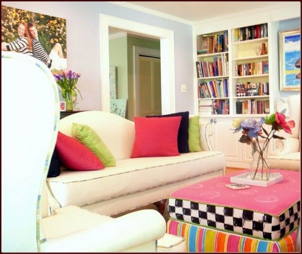 Great-framed-picture-and-bright-living-room-ideas