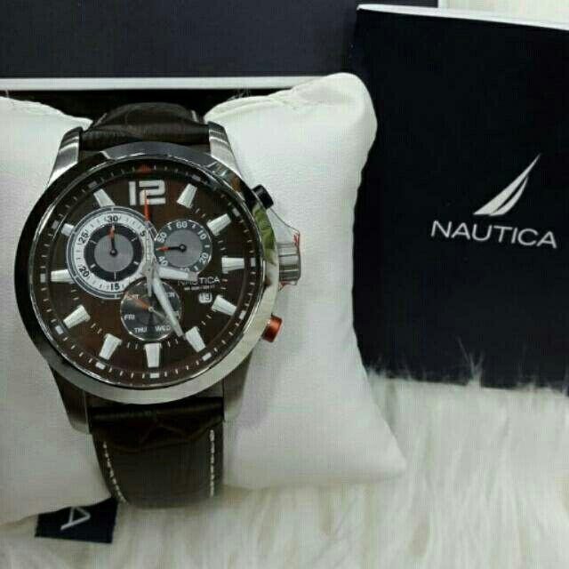 Saya menjual Jam Tangan Pria Nautica A15548G Silver Leather Original Murah seharga Rp2.000.000. Dapatkan produk ini hanya di Shopee! https://shopee.co.id/azshop30/200214837 #ShopeeID