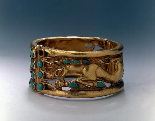 Bracelet  Gold, turquoise; cast and inlaid. Diam. 7.5 cm  Sakae Culture. 5th - 4th century BC Siberian collection of Peter I, Duzdak Area, Syrdarya Region, Karakumy Desert ,Central Asia  Source of Entry: Imperial Archaeological Commission, St Petersburg. The State Hermitage Museum.